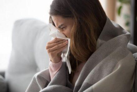 Κοροναϊός : Αυτές είναι οι βασικές ομοιότητες και διαφορές του με την γρίπη